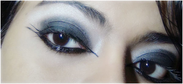 Step 7: Gothic Eye Makeup Look
