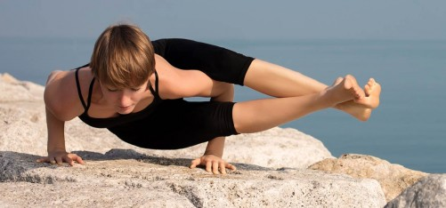 How-To-Do-The-Astavakrasana-And-What-Are-Its-Benefits
