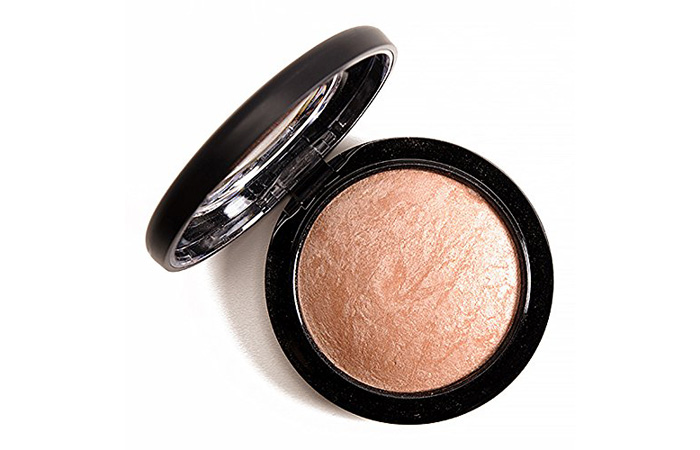 M.A.C. Mineralize Skinfinish Highlighter