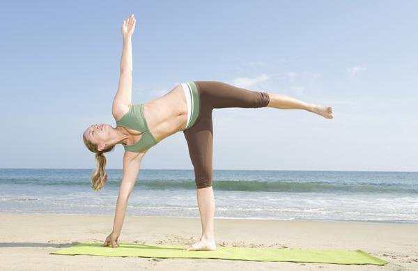 ardha chandrasana yoga