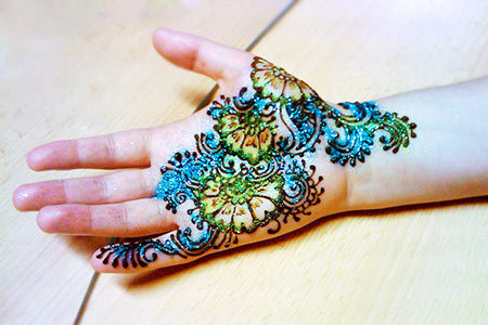 glitter mehndi designs 4