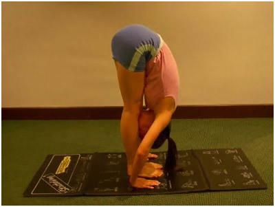 padahastasana yoga