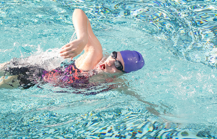 Swimming Strokes For Weight Loss - Freestyle Stroke