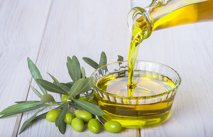 1.-Massage-Olive-Oil