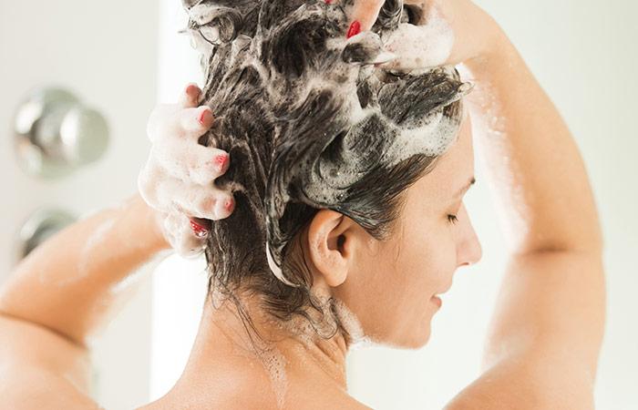 1. Kepek İçin Tuzlu Şampuan