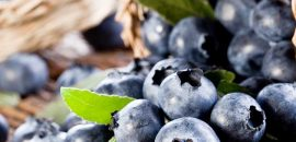 10 Little Known Benefits Of Blueberries For Skin, Hair, And Health