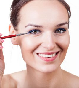 Best Blue Eyeliners Available In India – Our Top 10