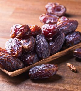 7 Potential Health Benefits Of Dry Dates For Skin, Hair, And Health