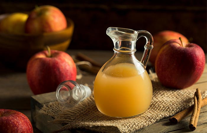 3. Apple Cider Vinegar And Green Tea For Acne