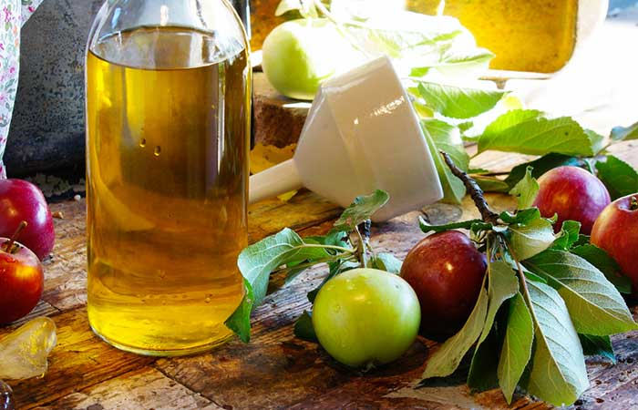 3. Apple Cider Vinegar For Waxing Bumps