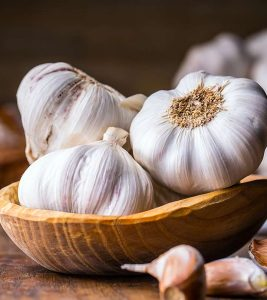 Garlic Side Effects: 14 Ways It May Cause Harm