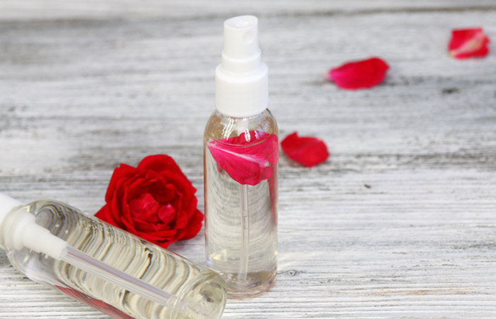 5. Multani Mitti And Rose Water For Acne