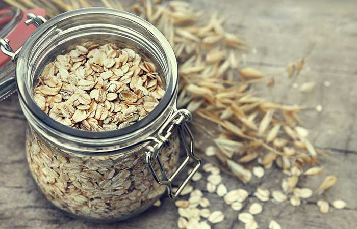 6.-Oatmeal-And-Honey-For-Acne