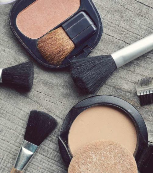 618_Best-Compact-Powders-For-Dry-Skin-–-Our-Top-10_248577814