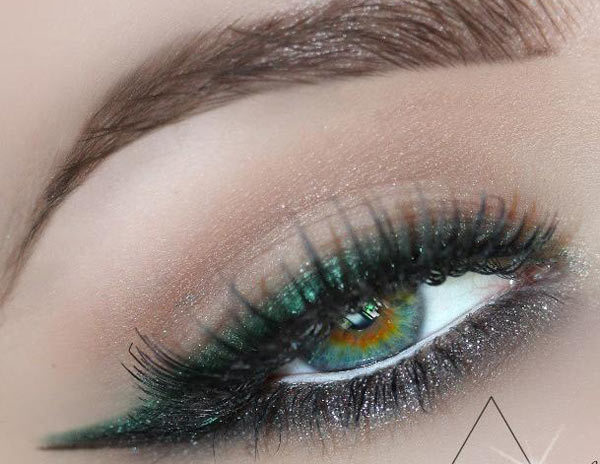 Glitter Green Lining Eye Makeup