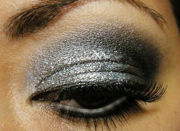 Glittery Charcoal Eye Makeup