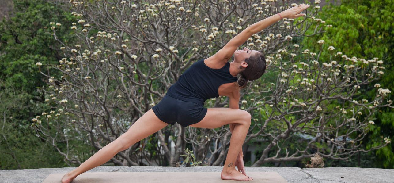 How-To-Do-The-Utthita-Parsvakonasana-And-What-Are-Its-Benefits