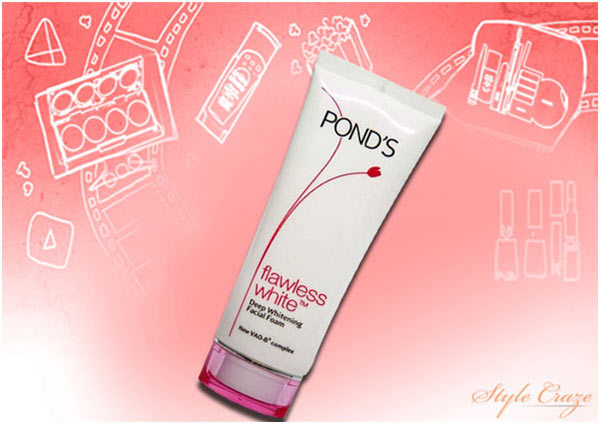 Pond's Flawless White Deep Whitening Facial Foam Face Wash