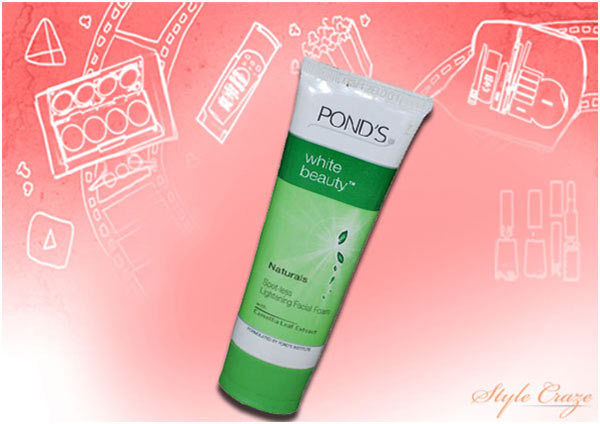 Pond's White Beauty Naturals Spot-Less Lightening Facial Foam