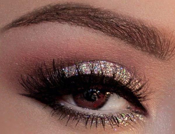Silvery Glittery Eye Makeup