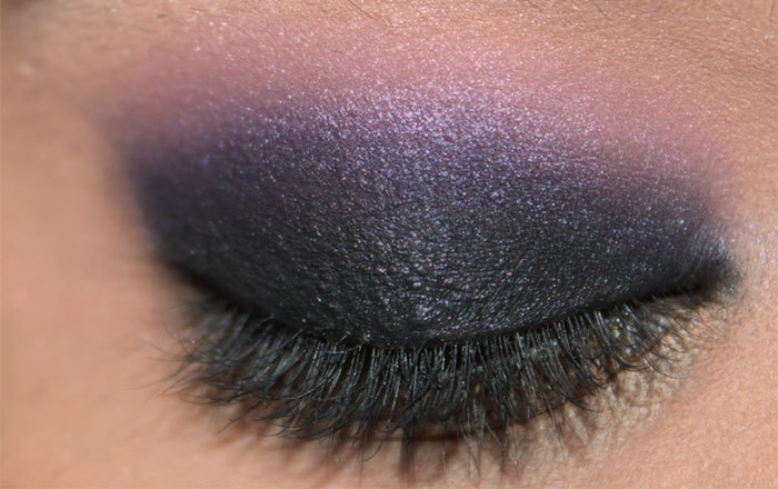 Stunning Dark Violet And Black Eye Makeup3
