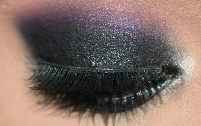 Stunning Dark Violet And Black Eye Makeup4