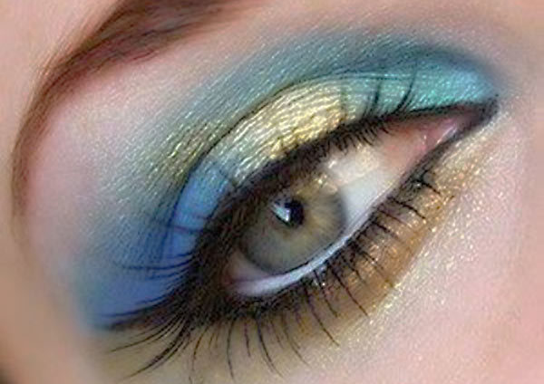 Sweet Gold And Blue Eye Makeup Tutorial