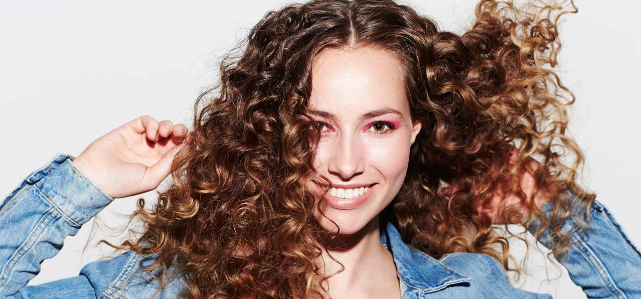Top 14 Shampoos For Curly Hair