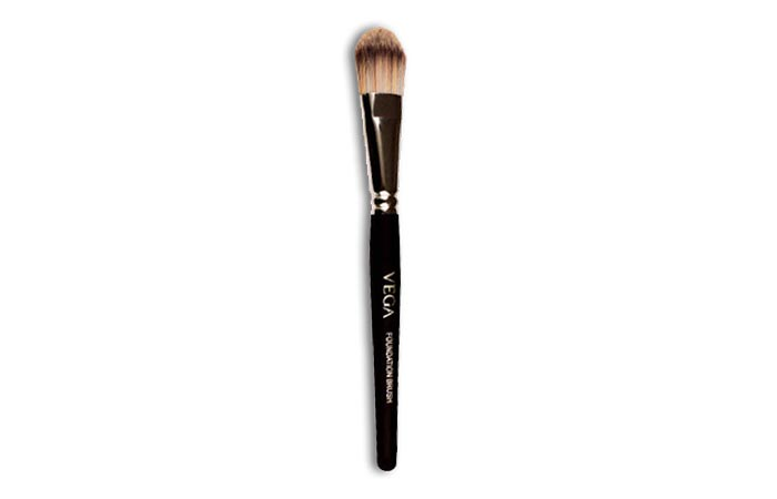 Vega Foundation Brush Pb 17