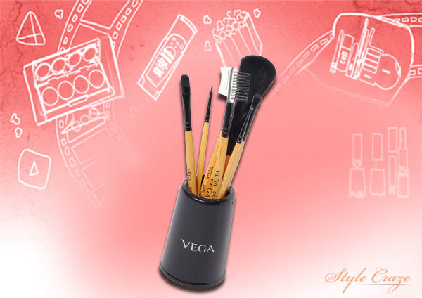 4. Vega Set of 7 Makeup Brushes - Best Makeup Brush Kit in India