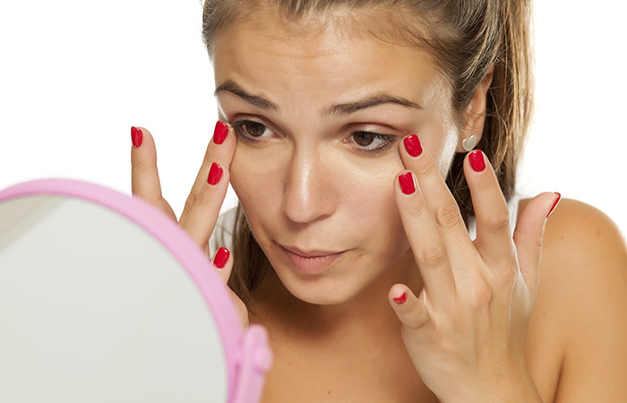 Vitamin E Oil For Treating Dark Circles