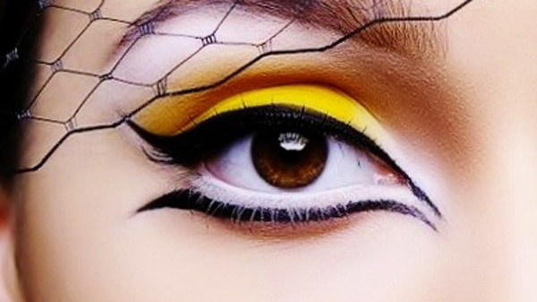Wide Open Yellow Show Stopper Creative Look