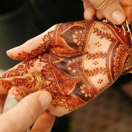 brides hands mehendi designs