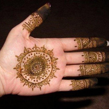 circular mehndi designs karachi