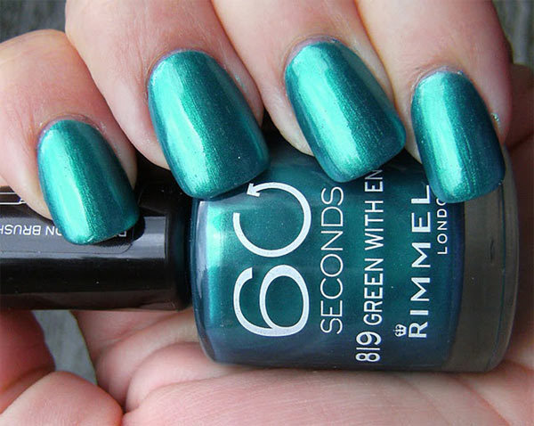 10 Best Nail Polishes In India - 2019 Update (With Reviews)