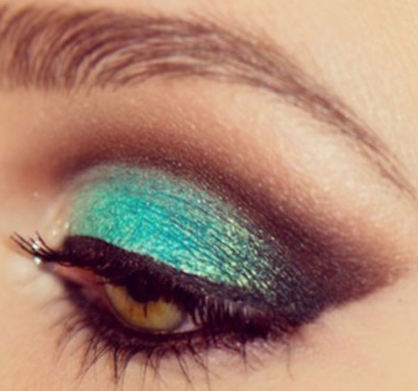 Sea Green Eye Makeup