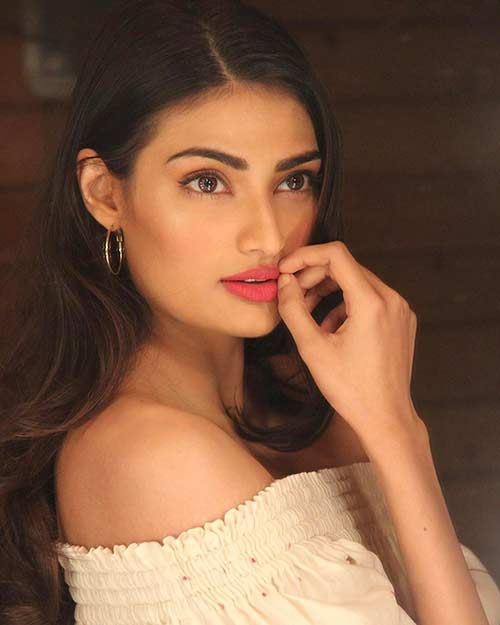 Athiya Shetty - Good Looking Indian Girl