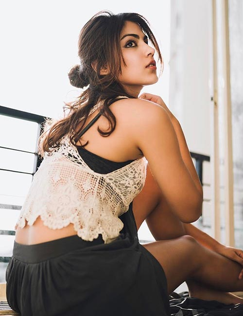 Rhea Chakraborty - Pretty Indian Girl
