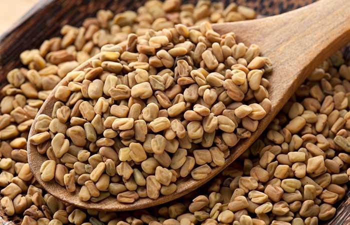 2. Fenugreek Seeds And Onion Juice