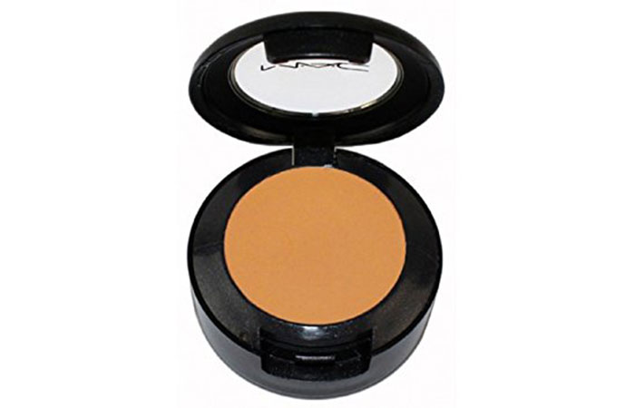 2. M.A.C Studio Finish SPF 35 Concealer - Best Concealer For Women In India