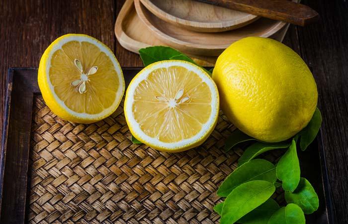 4. Lemon Juice For Lip Pimples