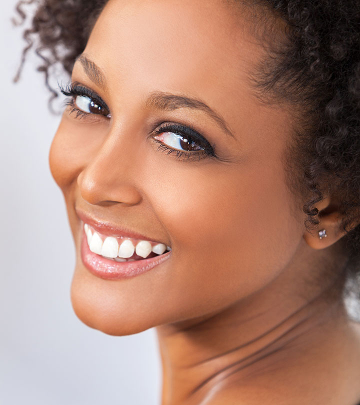 7 Best Ways To Naturally Whiten Teeth