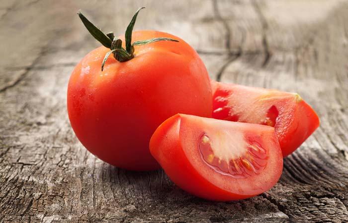 7. Tomato For Lip Pimples