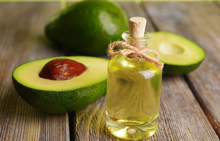 Avocado-Oil-For-Treating-Dandruff