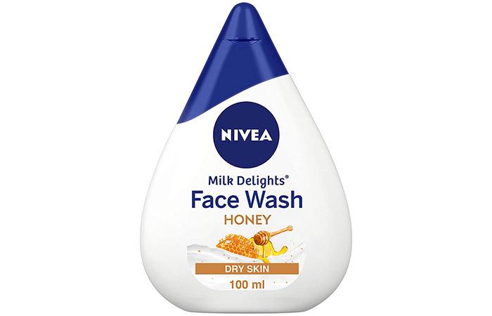 NIVEA Milk Delights Face Wash – Honey