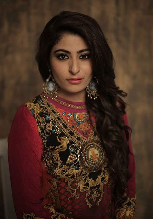 Sakshi Sagar - Best Bridal Makeup Artist In Delhi
