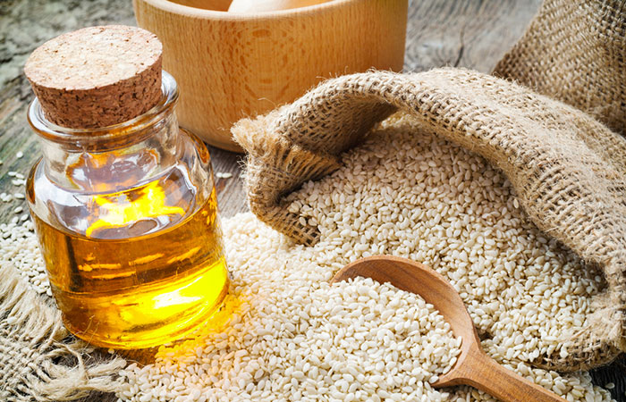 Sesame-Oil-For-Treating-Dandruff