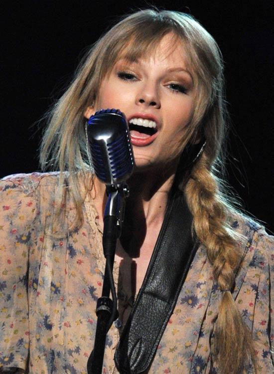 Taylor-Swift's-Hippie-Braid