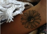 daisy tattoos designs