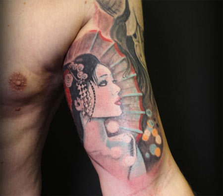 geisha tattoo upper arm